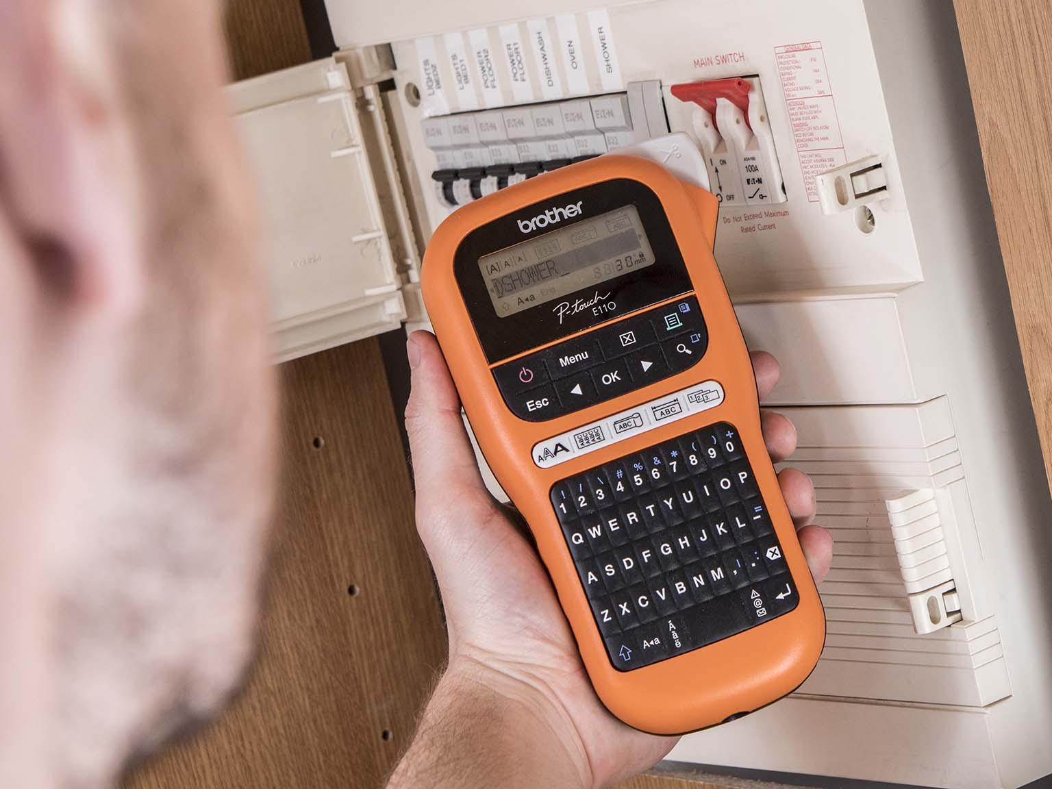 Tiskalnik nalepk Brother P-touch E110