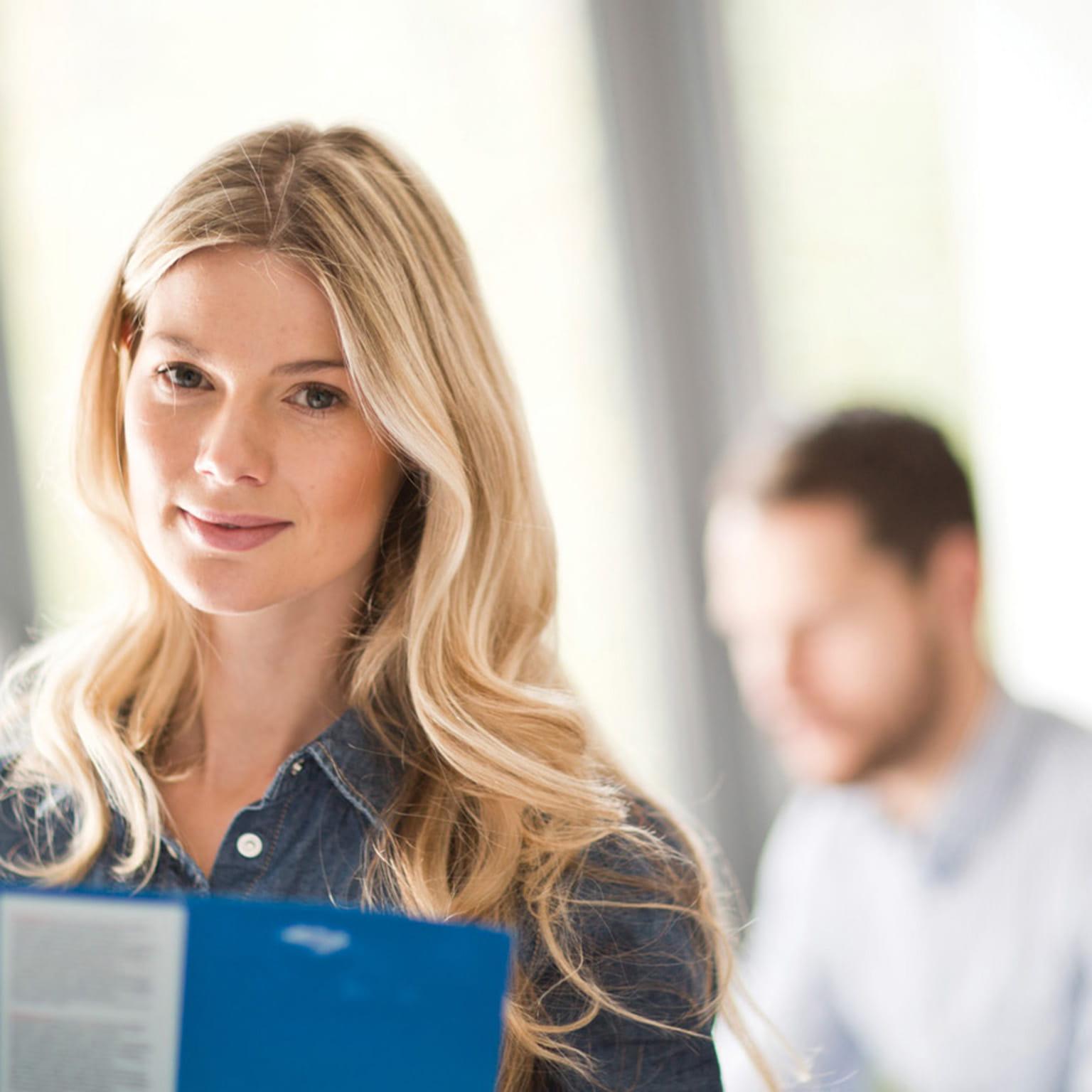 Poslovna ženska v pisarni